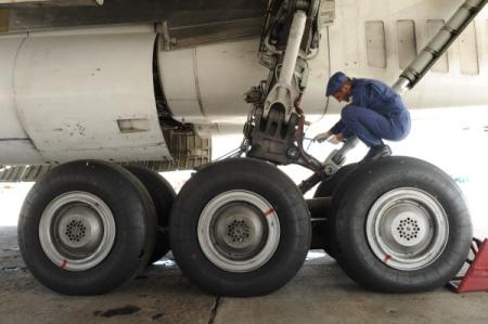 Ваэропорту Самары задержаны несколько рейсов из-за повреждения взлетной полосы