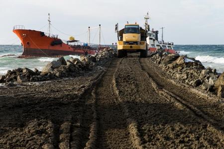 Капитан севшего намель танкера «Надежда» пойдет под суд