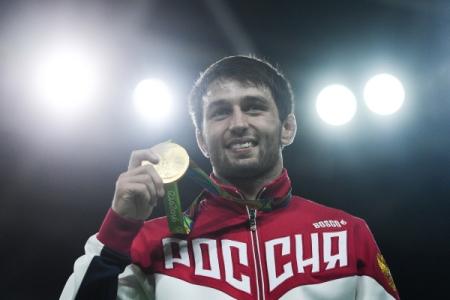 Русский борец вольного стиля пробился вфиналОИ