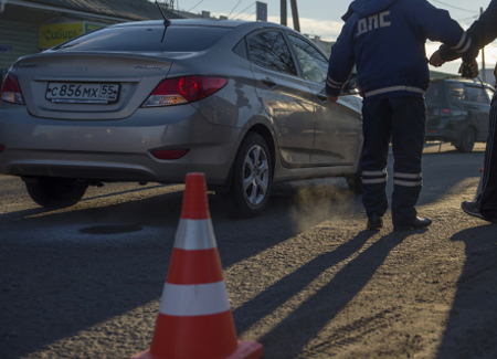 Три человека погибли вДТП легковушки с грузовым автомобилем вДагестане