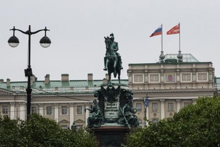 Представлять Ленобласть вСовете Федерации будет Дмитрий Василенко