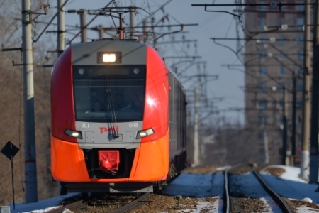 Билетный кассир электрички вКрасноярском крае приняла роды упассажирки