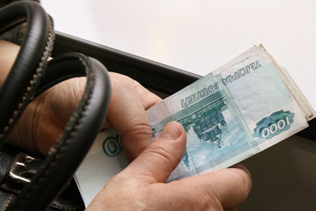 Государственная дума одобрила повышение МРОТ в РФ на300 руб.