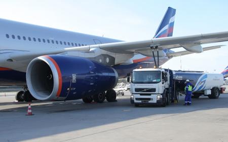 Ваэропортах столицы РФ отменено около 100 рейсов