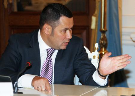 Руководитель Тверской области разъяснил Путину повышенную смертность врегионе ремонтом дорог