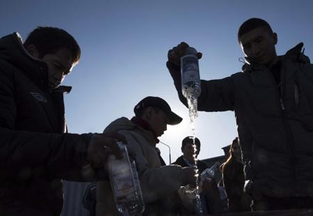 ВИркутске власти помогут детям, чьи родители погибли ототравления «Боярышником»