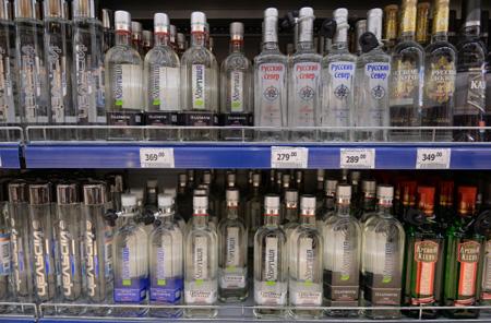 Министр финансов предложил поднять минимальную розничную цену водки на15%
