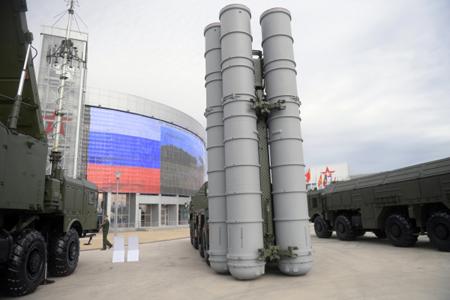Полк ПВО, оснащенный С-400 «Триумф», заступил надежурство под Москвой
