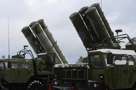 ВКрыму начал дежурство вооруженный С-400 зенитный ракетный полк