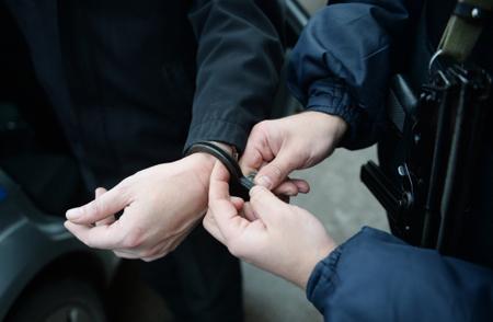 ФСБ Крыма задержала гражданина ЦА, подозреваемого вэкстремизме