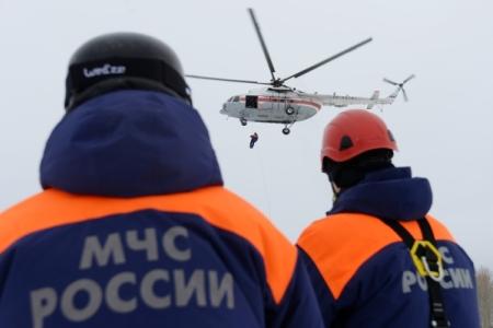 МЧС приостановило доутра поиски упавшего наАлтае вертолёта