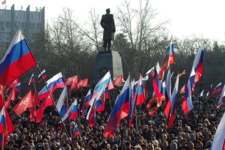 Путин поздравил граждан Севастополя сДнем защитника Отечества