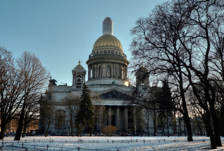 Смольнинский райсуд привлек руководителя Санкт-Петербурга кслушаниям опередаче Исаакия РПЦ