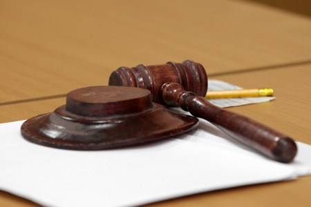 Сахалинский суд оставил под стражей экс-губернатора Хорошавина
