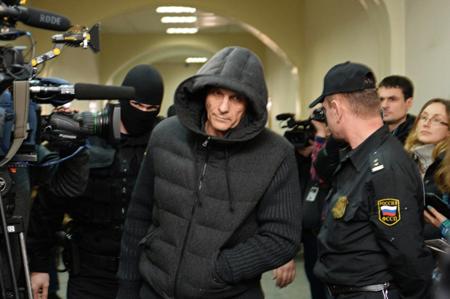 Экс-губернатора Сахалинской области оставили под стражей