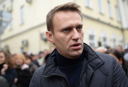 Приверженцев Навального призвали кответу заиздевательство над «Родиной-матерью»