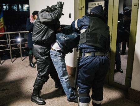 ВФСБ поведали озадержаниях после теракта в северной столице