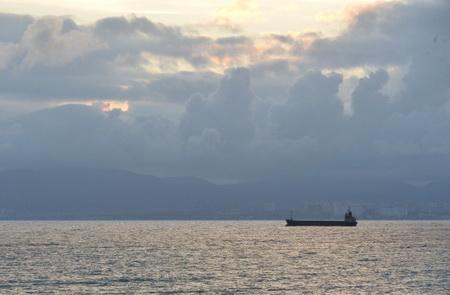ВЧерном море для защиты оттоплива ссухогруза поставят ограждения