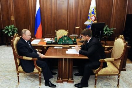 Сечин иКадыров встретились вофисе «Роснефти»