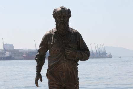 Панфилов снимет «Один день Ивана Денисовича» по книжке Солженицына