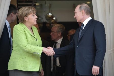 Меркель назвала Российскую Федерацию конструктивным партнером