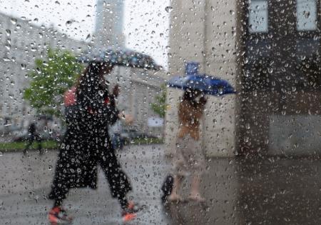 Ливень ишквалистый ветер обрушатся наМоскву вовторой половине дня