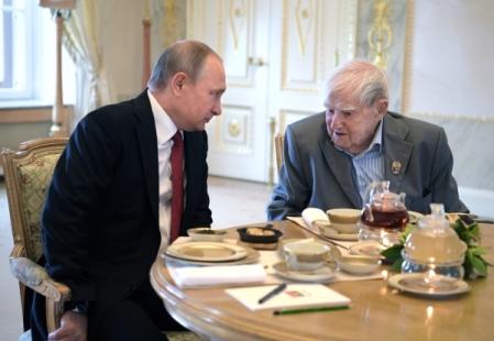 ВПетербурге как гора сплеч сваливается— Путин