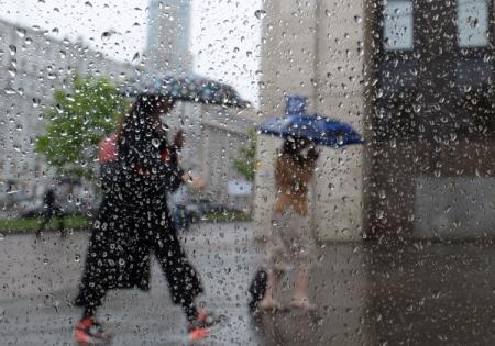 Гроза надвигается на столицу России: МЧС опубликовало экстренное предупреждение