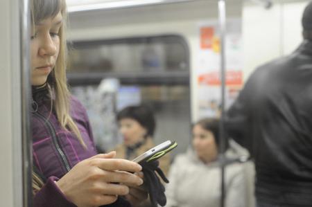 На «фиолетовой» ветке метро Петербурга заработал бесплатный Wi-Fi