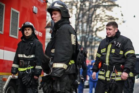 Парашютистов засутки доставлено вертолетами МЧС налесные пожары
