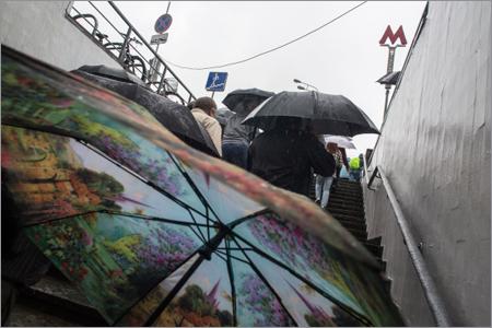 На столицу России надвигаются грозы иветер— Желтый уровень опасности