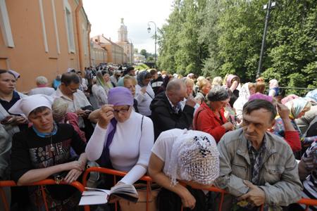 Мощам святого Николая вПетербурге поклонились уже неменее 340 тыс. человек