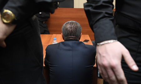 Экс-министр Улюкаев останется под домашним арестом еще наполгода