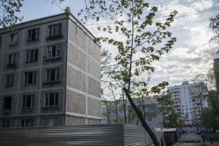 Фонд ЖКХ потребовал расселить аварийное жилье вБратске доначала осени