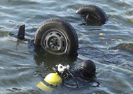 Упавшие намашине возеро вКБР туристы хотели сделать селфи