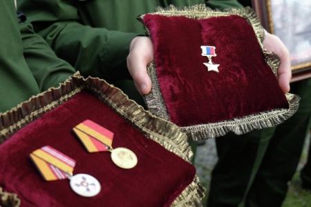 Монумент офицеру Александру Прохоренко, героически погибшему вСирии, откроют вОренбурге