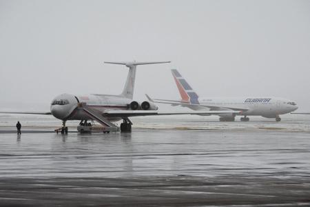 Почти 40 рейсов задержаны иотменены ваэропортах столицы из-за тумана