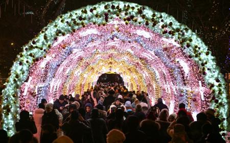 Световые арки украсят столицу России врамках фестиваля «Путешествие вРождество»