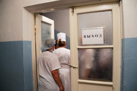 Профессионалы МЧС приступили кдиагностике поврежденного дома вУсть-Куте