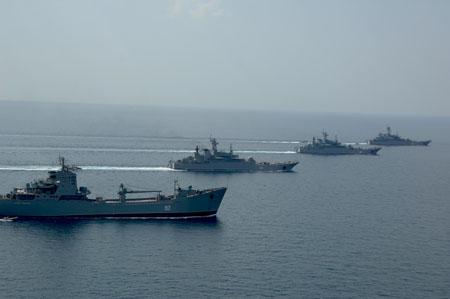 Три корабля соединения десантных кораблей Черноморского флота подтвердили звание «ударных»