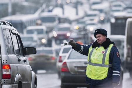 Водителей в российской столице попросили пользоваться социальным транспортом из-за снегопада