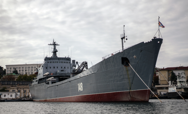 Экипажи кораблей Черноморского флота встретили Новый год вСредиземном море