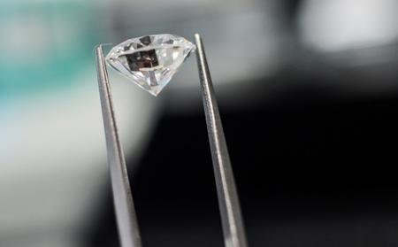В Российской Федерации представили детектор подлинности бриллиантов