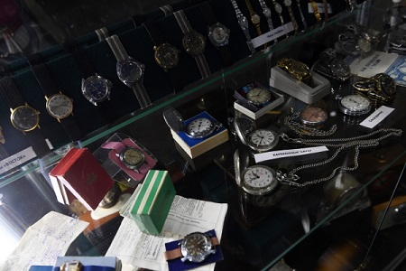 Часы спризнаками контрафактности обнаружили ростовские пограничники