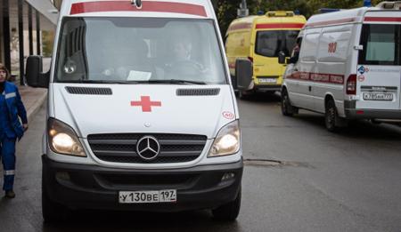 ВДагестане ВАЗ врезался врекламный щит, погибли три человека