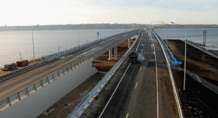 Только что завершена стыковка автомобильного моста через Амур между Благовещенском и Хэйхэ (КНР)