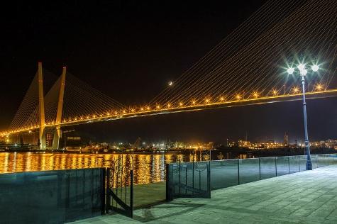 Золотой мост через бухту Золотой Рог