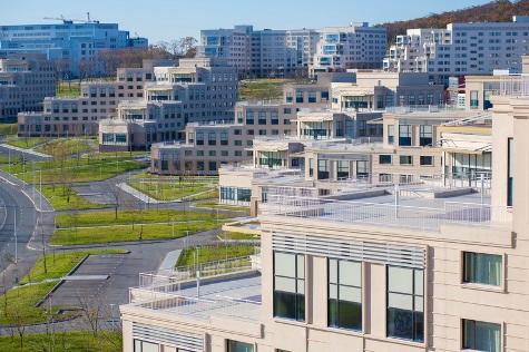 Кампус на остров Русский, где проходил саммит АТЭС 2012