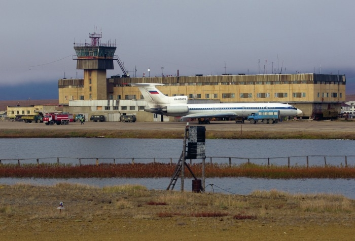 Реконструкция ВПП аэропорта Певек на Чукотке перенесена на год из-за COVID-19