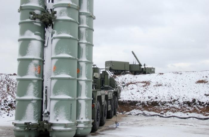 Российские военные ставят на боевое дежурство новый дивизион С-400 на Сахалине